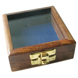 Wooden box with glass lid, 8,5x8,5x3,5cm