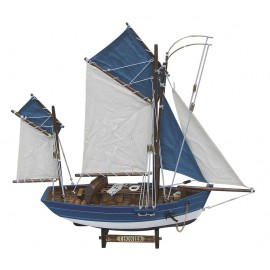 Tuna-boat, wood with cloth sails, L: 45cm, H: 43cm