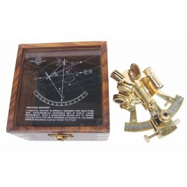 Sextant, brass, 12x11cm, in wooden box with glass lid, 12,5x12,5x8,5cm