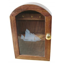 Key box, wood with glass front with ship design, 25x16x6cm