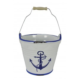 Bucket with anchor design